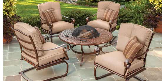 Agio Burgandy Patio Set