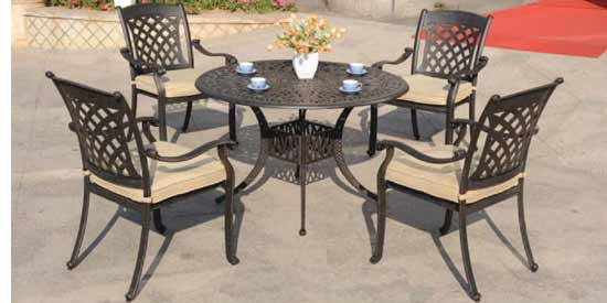DWL Carlisle Patio Dining Set