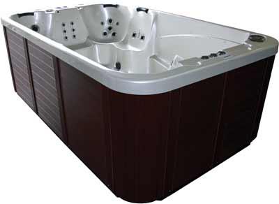 Wellness II Lounge Hot Tub